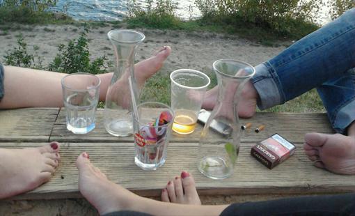 Zusammen mit Freunden an der Donau