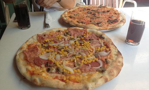Pizza Funghi und Pizza Al Capone